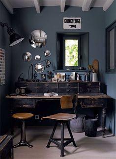 desk, mirrors, sign
