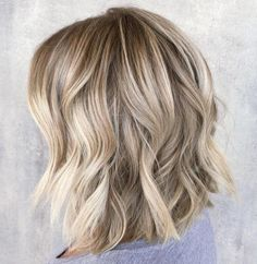 ** Andrea ** Choppy Wavy Blonde Lob