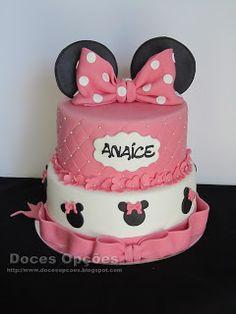 Doces Opções: Bolo de aniversário Minnie Bolo Minnie, Cake, Disney, Desserts, Food, Birthday Cakes, Sweets, Tailgate Desserts, Deserts