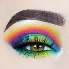 Love this! Rainbow eye makeup.