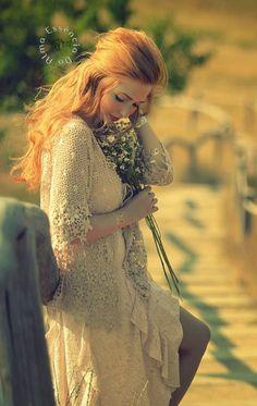 Amizade linda...❤ ..Para você reservo hoje o mais lindo sorriso. As mas belas flores, os mais lindos poemas, o amor mais sincero, que nossa amizade seja... - ღ Essência Da Alma ღ (Estrella Lunna) - Google+
