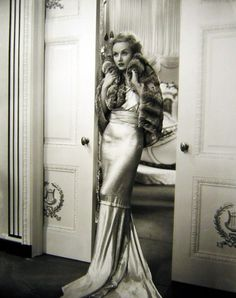 This is the peak of old hollywood glam.    www.glamathome.com  #hollywood, # dress