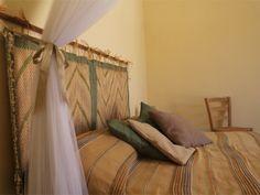Camera da letto matrimoniale con zanzariera