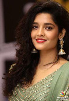 Beautiful Girl Indian, Most Beautiful Indian Actress, Rithika Singh, Indian Eyes, Bollywood Photos, Beautiful Bollywood Actress, Tamil Actress Photos, Cute Beauty, South Indian Actress
