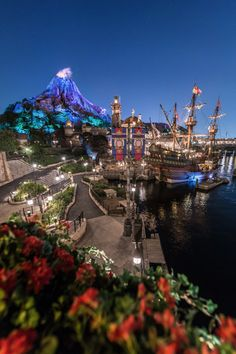This photo is of Tokyo Disney Sea. I have always loved Disney parks, and I think that experiencing them in another country would be a fun experience. Also, my cousin is moving to Japan this spring. Walt Disney Land, Tokyo Disney Sea, Disney World Florida, Tokyo Disney Resort, Disney Parks, Tokyo Tourism, Japon Tokyo, Japan Holidays, Hong Kong Disneyland