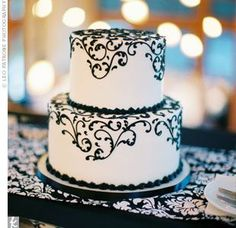 White Wedding Cakes what my anniversary cake should look like with a blue ribbon around the bottom - Black White Cakes, Black And White Wedding Cake, Purple Wedding Cakes, Damask Wedding, Red Black, Cake Wedding, Small Wedding Cakes, Pretty Black, Gold Wedding