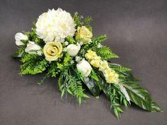 Church Flower Arrangements, Floral Arrangements, Flower Decorations, Table Decorations, Cemetery Decorations, Funeral Flowers, Arte Floral, Ikebana, Flower Crafts