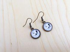 Black cat earrings; cat earrings; Spooky earrings; Halloween earrings; Dark gold…