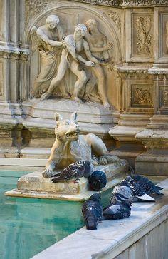 Fonte Gaia, Piazza del Campo, Siena, Tuscany