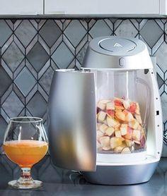 Mit diesem Mixer verwandelst du Früchte in...Alkohol!