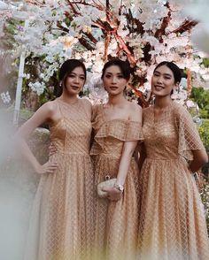Dress Brokat Modern, Kebaya Modern Dress, Kebaya Dress, Dress Pesta, Dress Brukat, Tulle Dress, Lace Dress, Model Dress Batik, Batik Dress
