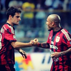 """There's no royal flush without """"Jack of hearts""""… welcome #Bonaventura! #ParmaMilan #weareacmilan"""
