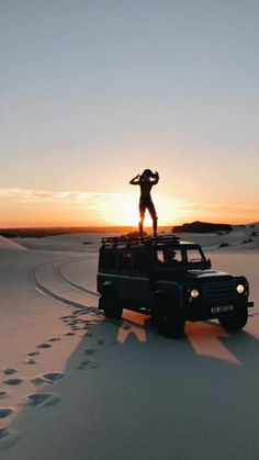 Video not supported for your browser black jeep, jeep life, pretty cars, summer Beach Aesthetic, Summer Aesthetic, My Dream Car, Dream Cars, Foto Fashion, Adelaide Kane, Summer Goals, Cute Cars, Pretty Cars