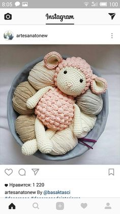Ovejita Crochet Sheep, Crochet Baby Toys, Crochet Gifts, Cute Crochet, Crochet Animals, Beautiful Crochet, Crochet Dolls, Crochet Stitches, Yarn Crafts