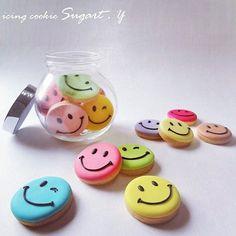 Happy Faces                                                                                                                                                     Mais