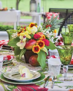 A single orchid offers a gracious greeting to guests for an alfresco supper on the porch. Where is your favorite place for outdoor entertaining? #southernladymag #tablescape #tablescapes #tablescapestyling #tablestyling #styling #tablescapetuesday #tabletoptuesday Bright Wedding Colors, Beach Wedding Colors, Tropical Wedding Centerpieces, Floral Centerpieces, Wedding Places, Destination Wedding, Glamorous Wedding, Magical Wedding, Wedding Place Settings