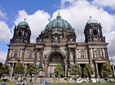 You are visiting Berlin only in 1 day. Check this list of things to do and experience the real Berlin. 1 Day, Germany Travel, The Places Youll Go, Notre Dame, Taj Mahal, Madrid, Cathedral, Berlin, Tourism