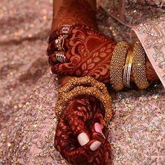 Leg Mehndi, Legs Mehndi Design, Hand Mehndi, Latest Bridal Mehndi Designs, Best Mehndi Designs, Girly Images, Stylish Girl Images, Chocolate Cupcakes Decoration, Mhendi Design