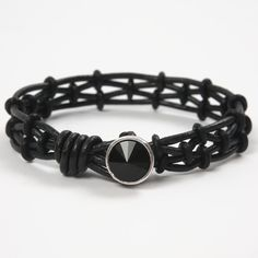 Collection of Unisex Leather Bracelet Tutorials