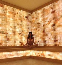 Himalayan Salt Stone, Himalayan Salt Crystals, Himalayan Salt Lamp, Salt Room Therapy, Home Spa Room, Salt Cave, Sauna Design, Spa Interior, Palenque