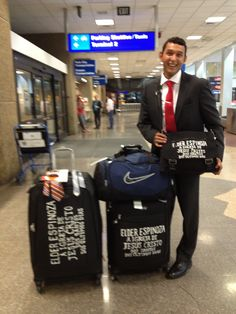 Turn your missionaries luggage into missionary tags!  Love this!! They'll never lose your bags! #missionary
