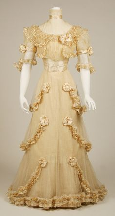 1906-07 dress @Ruth H. Mudge this one is for you!