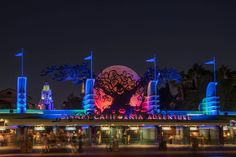 Planning on going to Oogie Boogie Bash at Disneyland Resort? Here are a few tips and tricks to help you maximize your time at the after-hours event: Halloween Time At Disneyland, Disney Halloween Parties, Disneyland Christmas, Disneyland Castle, Disneyland Resort, Spooky Halloween, Halloween Party, Halloween Popcorn, Disney Photo Pass