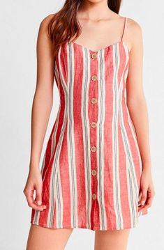 46 Summer Casual Outfits To Copy Right Now #striped  #sleeveless  #tank  #stripedtank