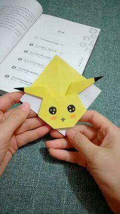 Diy Crafts Hacks, Diy Crafts For Gifts, Diy Arts And Crafts, Paper Crafts Origami, Paper Crafts For Kids, Diagrammes Origami, Instruções Origami, Bookmark Craft, Origami Bookmark