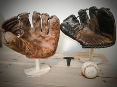 9 Baseball Glove Display Man Room Pinterest Gloves