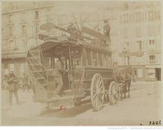 [Omnibus, place Saint-Sulpice] : [photographie] / [Atget] 1898-99