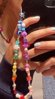 Bead Jewellery, Beaded Jewelry, Beaded Bracelets, Cute Jewelry, Jewelry Crafts, Diy Necklace, Bracelet Designs, Iphone, Phone Case
