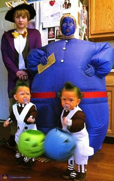 Willy Wonka DIy -Charlie & The Chocolate Factory - homemade costume Halloween Costume Contest, Family Halloween Costumes, Cute Costumes, Halloween Kostüm, Holidays Halloween, Halloween Decorations, Costume Ideas, Homemade Costumes For Kids, Hallowen Ideas