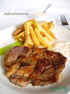 Ceafa de porc marinata in bere Healthy Family Meals, Healthy Snacks, Healthy Eating, Healthy Recipes, Pork Recipes, Cooking Recipes, My Favorite Food, Favorite Recipes, Romanian Food