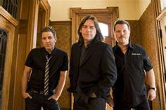 Sean McCann, Alan Doyle & Bob Hallett = Great Big Sea, the best band to come out of Canada ever! Great Bands, Cool Bands, Sean Mccann, Great Big Sea, I Am Canadian, Best Vibrators, World Music, Special People, Music Love