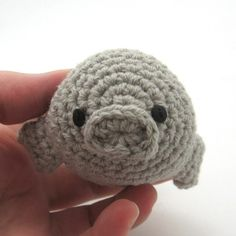 Little Manatee <3  I am so not into little stuffed animal sorts of things but OMG this is cute, and I might have to make it for Owen or as a Christmas tree ornament.