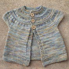in threes: a baby cardigan Baby Cardigan Knitting Pattern, Baby Knitting Patterns, Baby Patterns, Knit Cardigan, Knit Or Crochet, Crochet For Kids, Crochet Baby Clothes, Knitting For Kids, Baby Sweaters