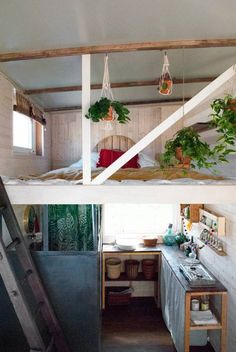 The home is furnished with a futon made of hemp and bedding created from recycled plastic bottles. The kitchen was built with pallet wood and has a bioethanol cooker.