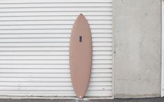 "BLANCHE Model- 6'2""  Dimensions: 6'2"" x 20"" x 2.5"" Color: Dusty Mauve Fin Setup: Single  More info @ saltsurf.com"