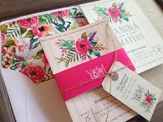 Tarjetas de Casamiento, Modelo RoseBud by The Lovely Card. Decile si a invitaciones originales para tu boda porque es un punto muy importante en la organización del casamiento, después de todo es el primer acercamiento de los invitados a lo que será el día más especial de su vida!