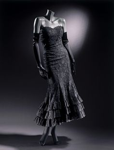 Coco Chanel, Black Lace Evening Dress, c. 1958-over 50 years old, but lose the gloves and it looks current!  AMAZING :)