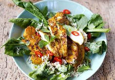 Jamie Oliver's Bombay chicken with cauliflower, rice and spinach Jamie Oliver, Bombay, Hans Peter, Tandoori Chicken, Poultry, Cauliflower, Spinach, Food And Drink, Ethnic Recipes