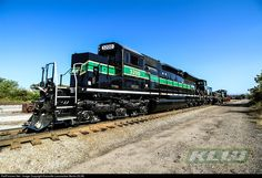 RailPictures.Net Photo: KLWX 3200 Knoxville Locomotive Works KLW SE32C-DE at Knoxville, Tennessee by Knoxville Locomotive Works (KLW)