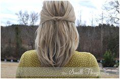 to do: hair knot Trendy Hairstyles, Wedding Hairstyles, Wedding Updo, Hairstyles For Medium Length Hair Tutorial, Short Medium Length Hair, Hair Knot, Great Hair, Bridesmaid Hair, Prom Hair