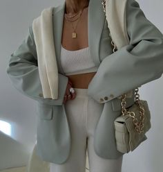 Cute Casual Outfits, Chic Outfits, Spring Outfits, Fashion Outfits, Womens Fashion, Fashion Trends, Vest Outfits, Look Fashion, Winter Fashion