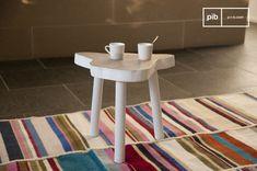 La mesa auxiliar Nederland es una mesa auxiliar vintage muy bonita que nos gusta mucho.