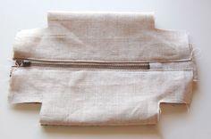 How to make cute block zipper pouch / handbag. DIY photo tutorial and template pattern.