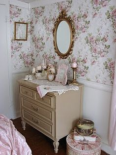 our guest room for our little princess grand-daughter Estilo Shabby Chic, Shabby Chic Style, Shabby Chic Decor, Shabby Cottage, Cottage Chic, Cottage Style, Shabby Chic Kitchen, Shabby Chic Homes, Girl Room