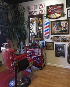"999 Likes, 19 Comments - Justin A ✂ (@barberjustin) on Instagram: ""It's crazy to stand here. Shane's barbershop San Mateo California. Looking forward to my haircut…"""