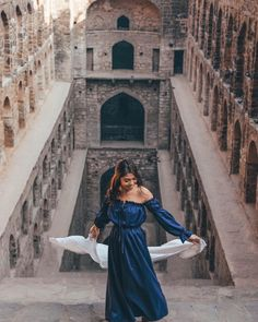Feeling it for the gram. 💃🏻 Little did we know, this is the most haunted place in Delhi. We were shookt 😱😩 (📷: Star Fashion, Fashion Beauty, Women's Fashion, Photography Poses, Fashion Photography, Travel Photography, India Travel, India Trip, Jaipur Travel